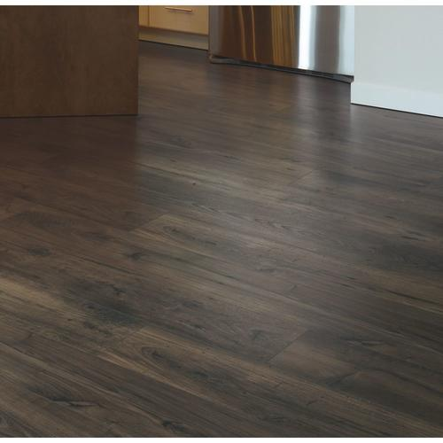 Richland Laminate Flooring 16 93 Sq Ft Ctn At Menards 174