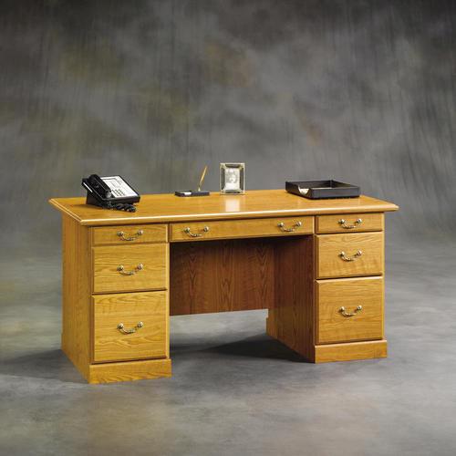 Sauder Orchard Hills Carolina Oak Executive Desk At Menards 174